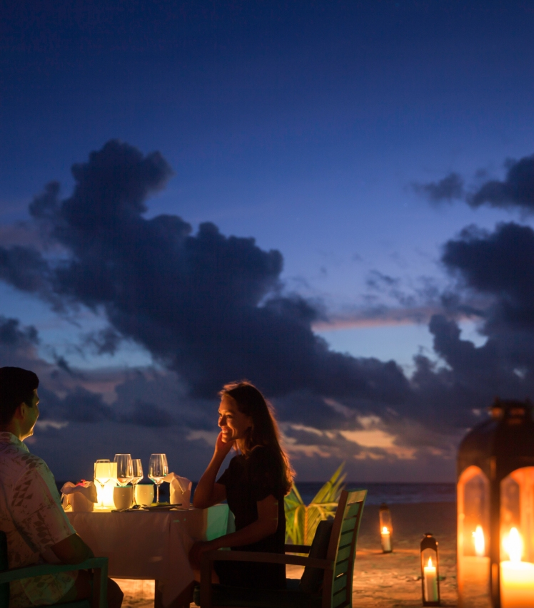 outrigger beach dining.jpg